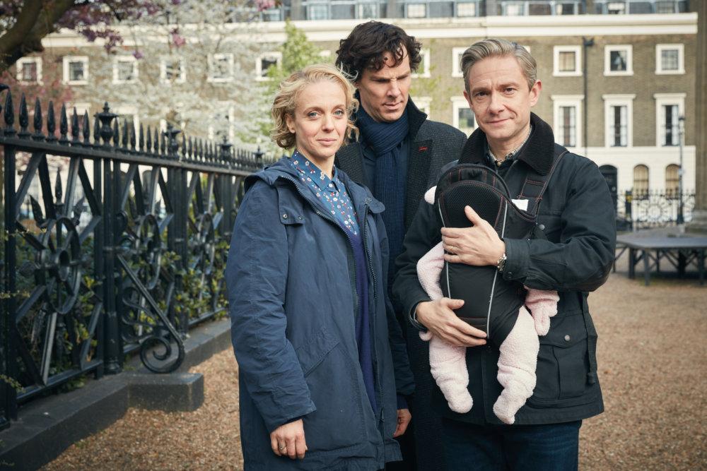 Mary Watson (Amanda Abbington), Sherlock a John Watson (Martin Freeman). Foto - Colin Hutton/Hartswood Films/BBC
