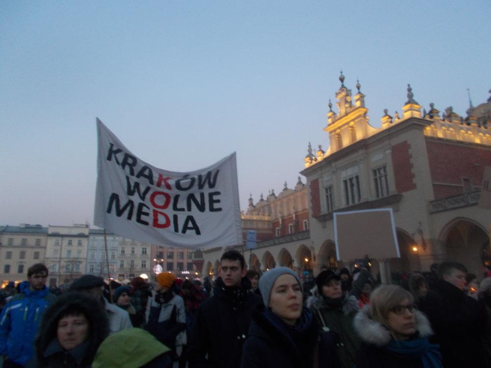 Protesty neprebehli iba vo Varšave, tento sa odohral v Krakove. Foto - Kuba Loginow.