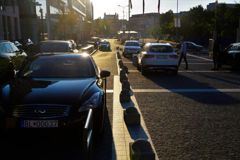 Auto neprejde, ale ani kočík alebo človek na vozíku. Foto Zora Paulíniová