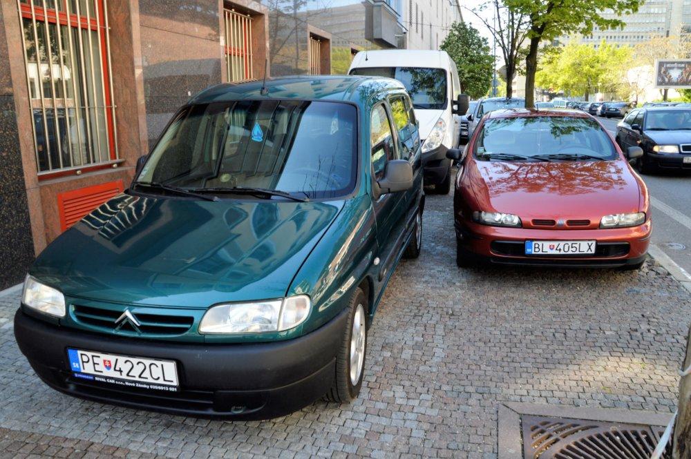 Parkovanie v Bratislave. Foto Zora Paulíniová