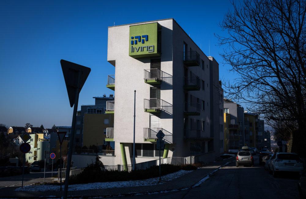 Budova v Slávičom údolí, kde sídlia firmy Blattnerovcov. Foto N - Tomáš Benedikovič