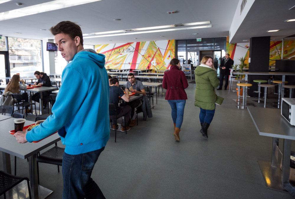 Do jedálne internáty investovali. Ročne vydajú 1,5 milióna porcií jedál. Foto N - Tomáš Benedikovič