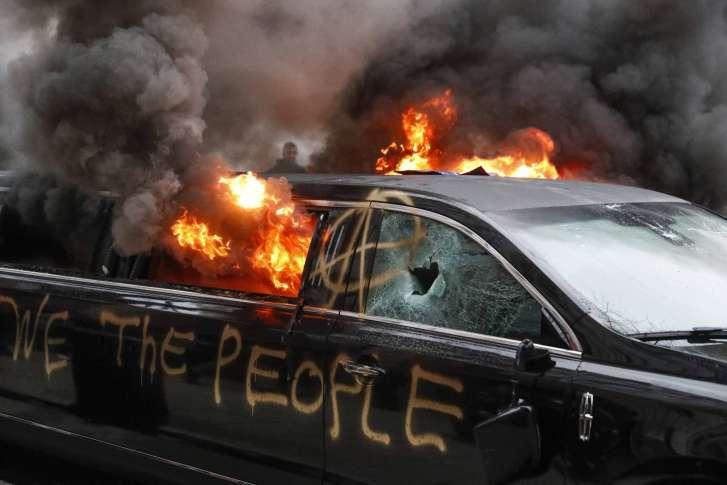 trump_inauguration_protests_99029-727x485