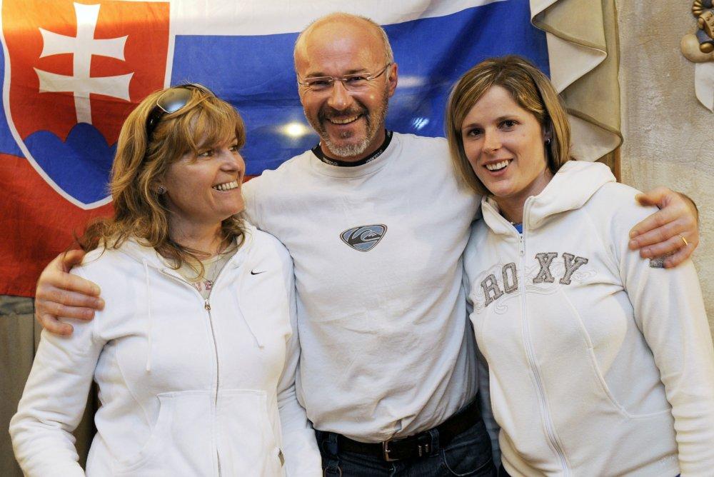 Mama Viera, otec Timotej a Veronika Zuzulovci v roku 2008. Foto - tasr
