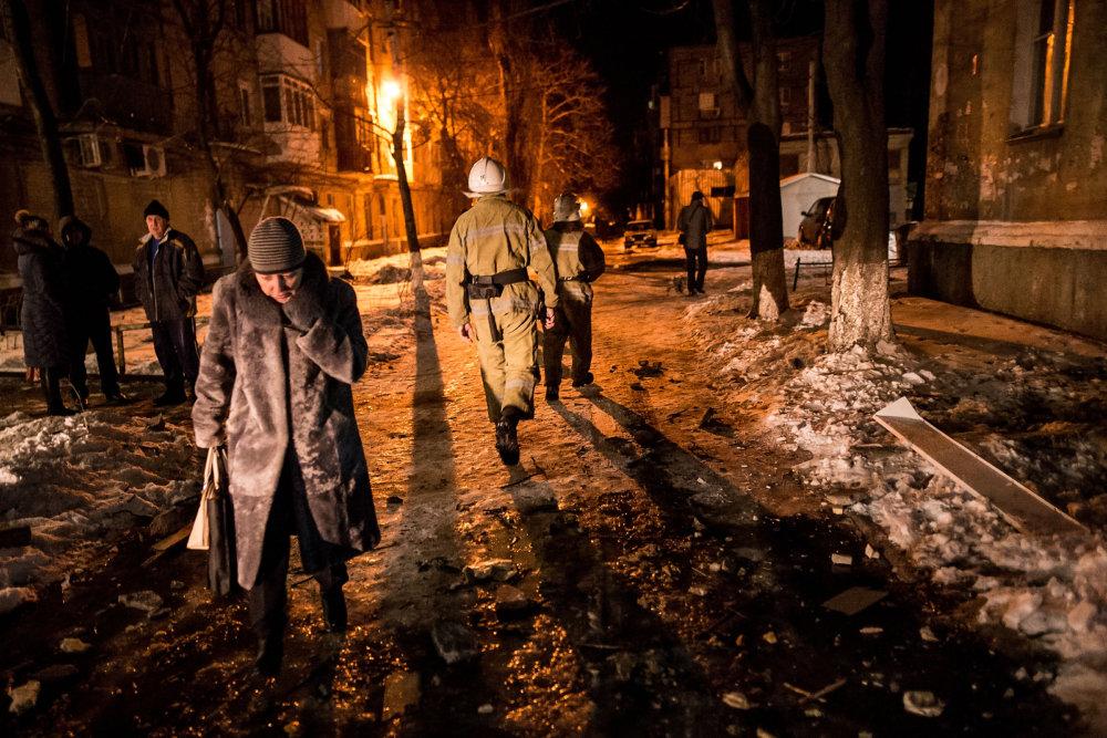 Po strele, ktorá trafila obytný dom na Gagarinovej ulici. Foto N - Vladimír Šimíček