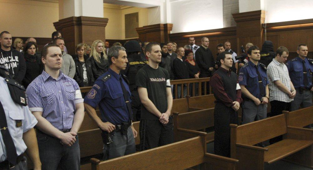 Štvorica skutočných útočníkov na súde v Ostrave v roku 2010: David Vaculík , Jaromír Lukeš , Ivo Müller a Václav Cojocaru. foto - TASR/AP
