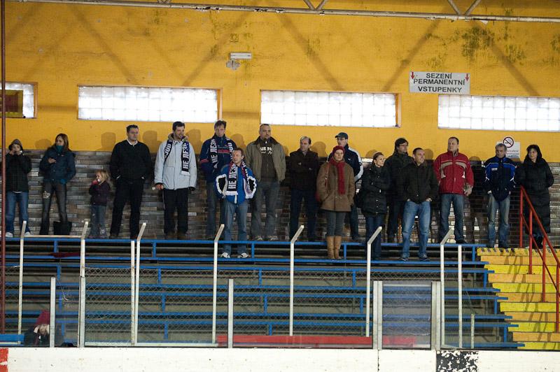 Rodičia Svišťov na domácom štadióne v Rosiciach u Brna. Foto: Jozef Kaffka