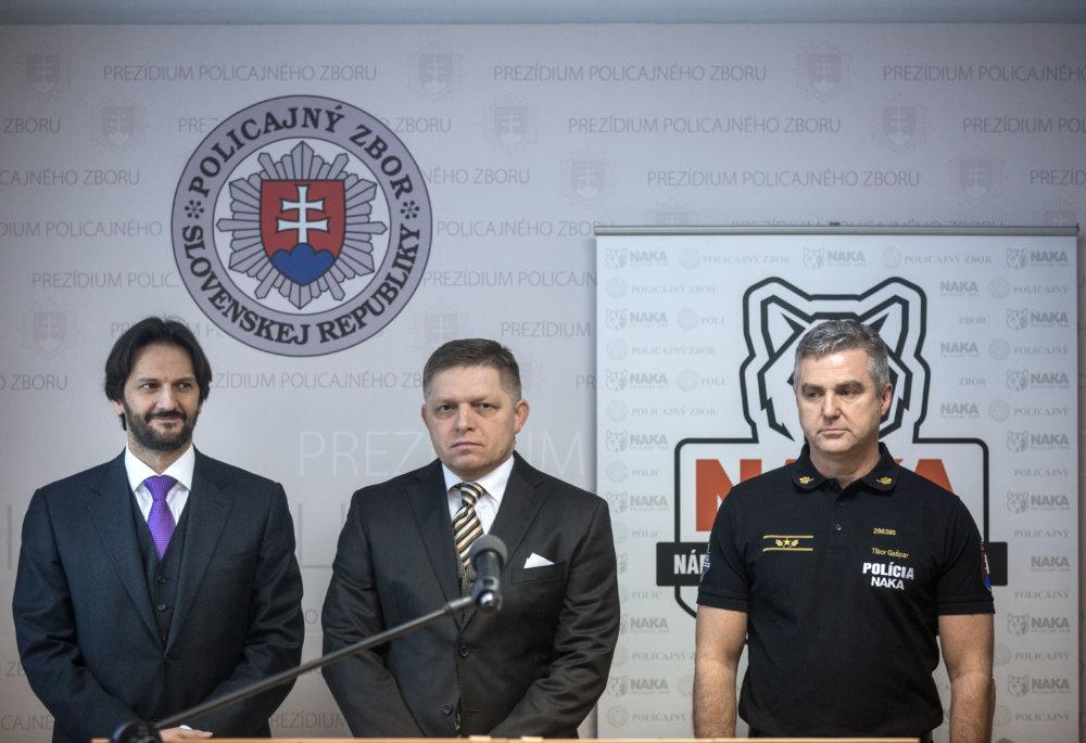 Premiér predstavuje nový tím na boj proti extrémizmu. Foto N - Tomáš Benedikovič