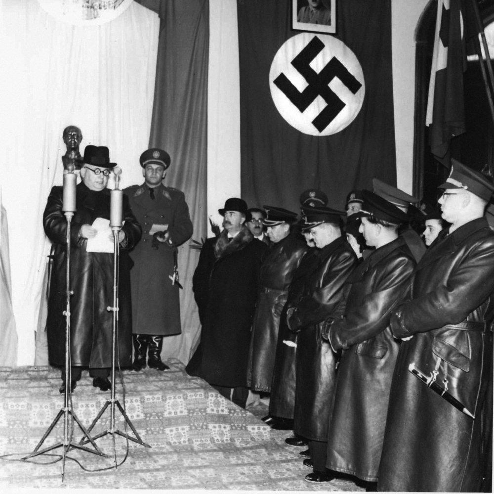 Otvorenie vodcovských škôl Hlinkovej mládeže vChtelnici. 1941 © SNA, Bratislava – fond STK