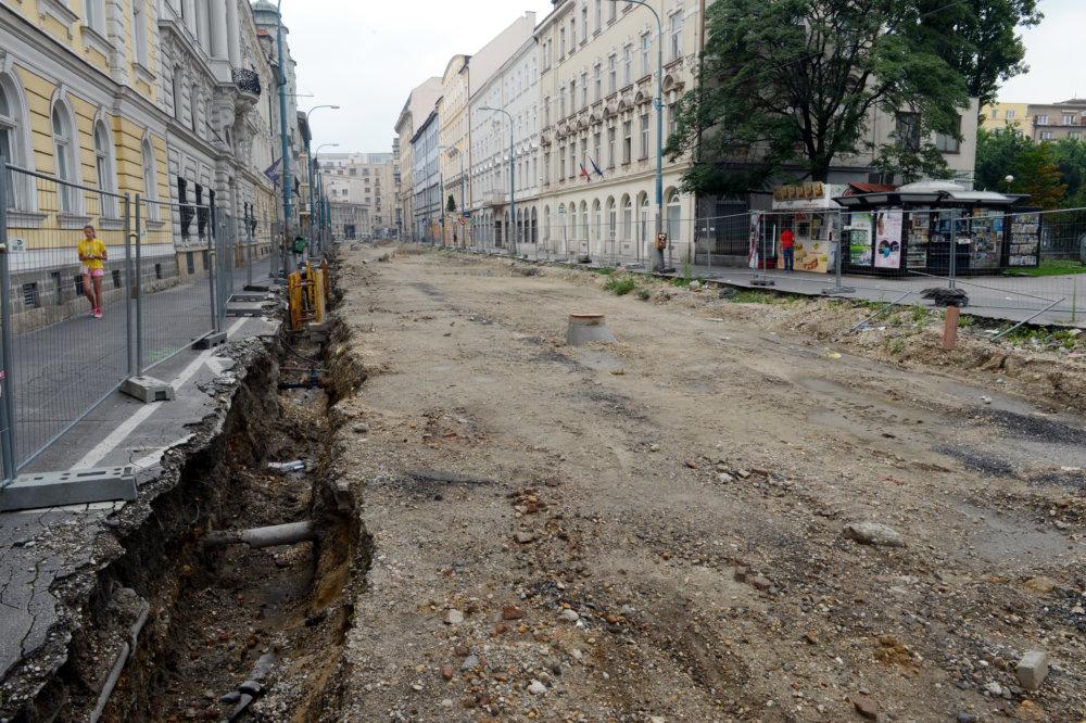Rozkopaná Štúrová ulica. Foto - TASR