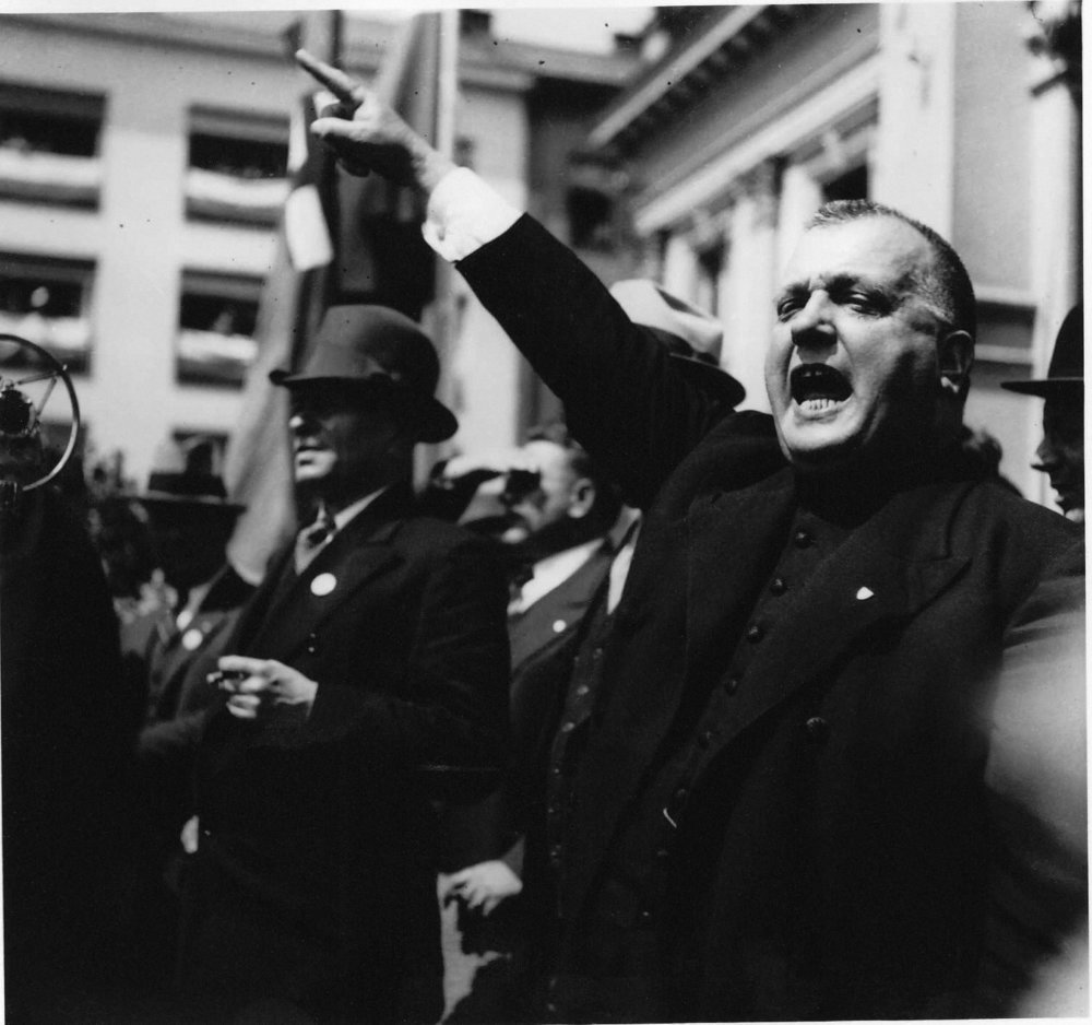 Manifestácia za Pittsburskú dohodu vBratislave, 1938 © SNA, Bratislava – fond STK