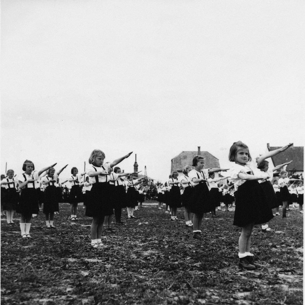 Deň Hlinkovej mládeže vBánovciach nad Bebravou. 1941 © SNA, Bratislava – fond STK
