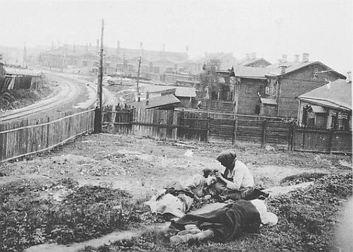 Fotograf Alexander Wienerberger je jeden z mála ľudí, ktorí zachytili na film hladomor na Ukrajine v rokoch 1932 a 1933. Zdroj - garethjones.org