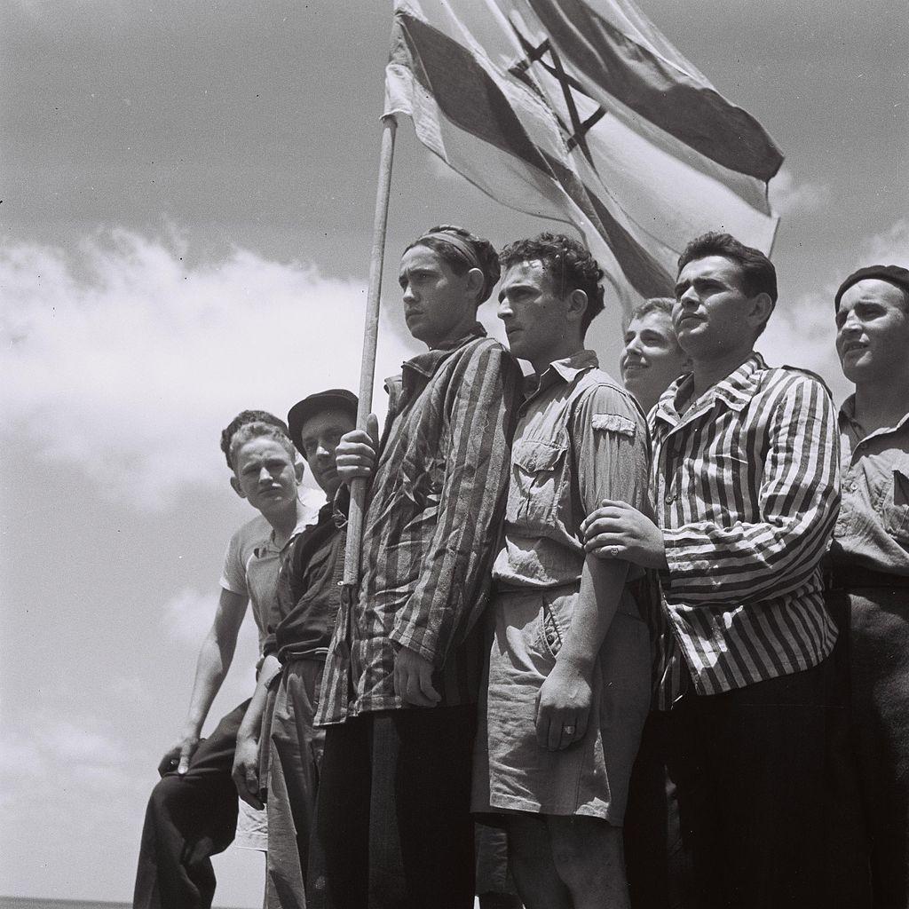 buchenwald_survivors_arrive_in_haifa