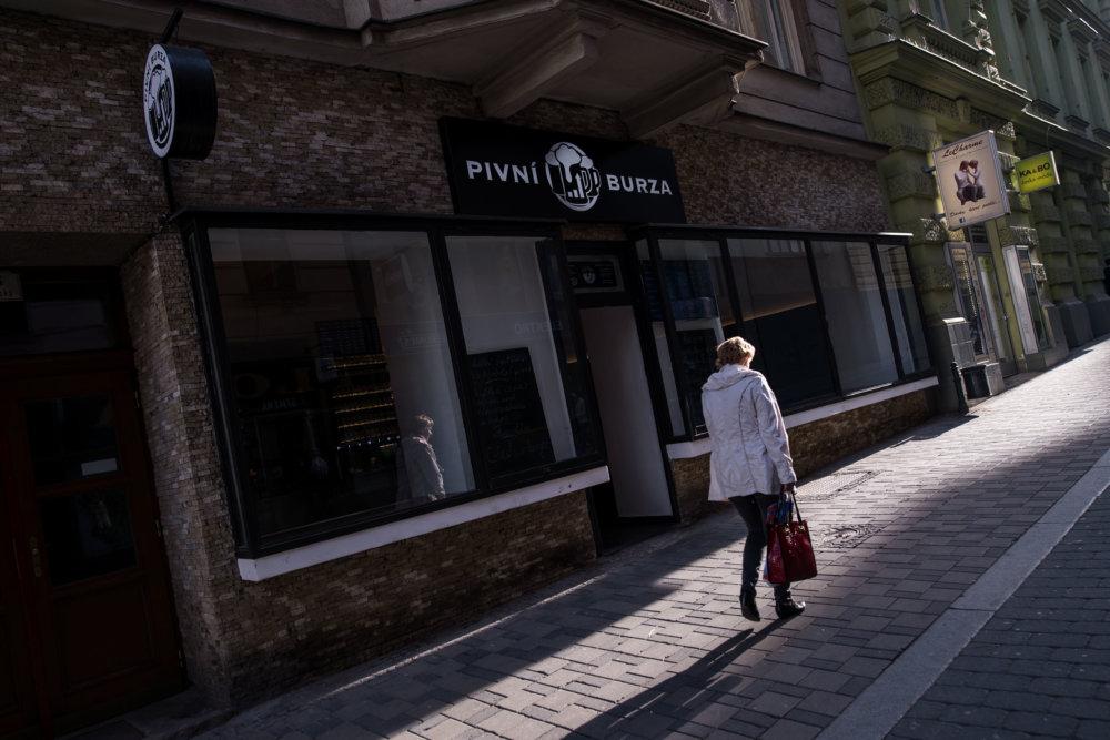 Nová piváreň, ktorá na ulici nahradila herňu. Foto N - Vladimír Šimíček