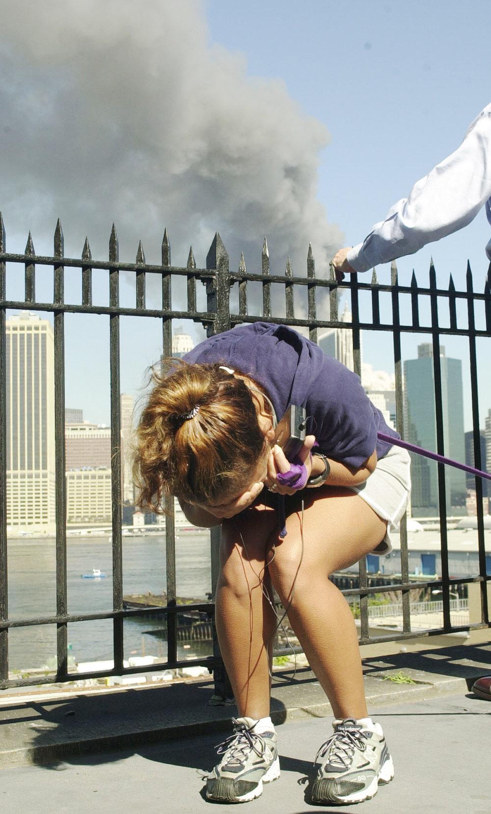 11. september je trauma, stále viac ľudí však neverí, že to bolo tak, ako hovoria oficiálne úrady. Foto: TASR/AP