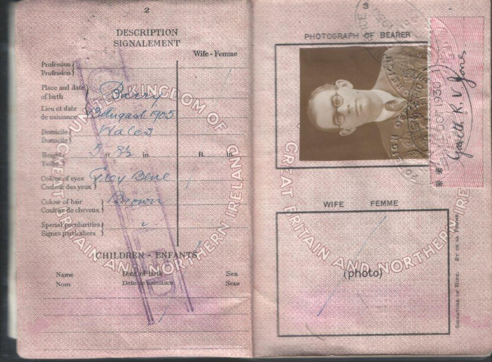 Pas Garetha Jonesa, na ktorý prišiel do Sovietskeho zväzu. Zdroj - garethjones.org