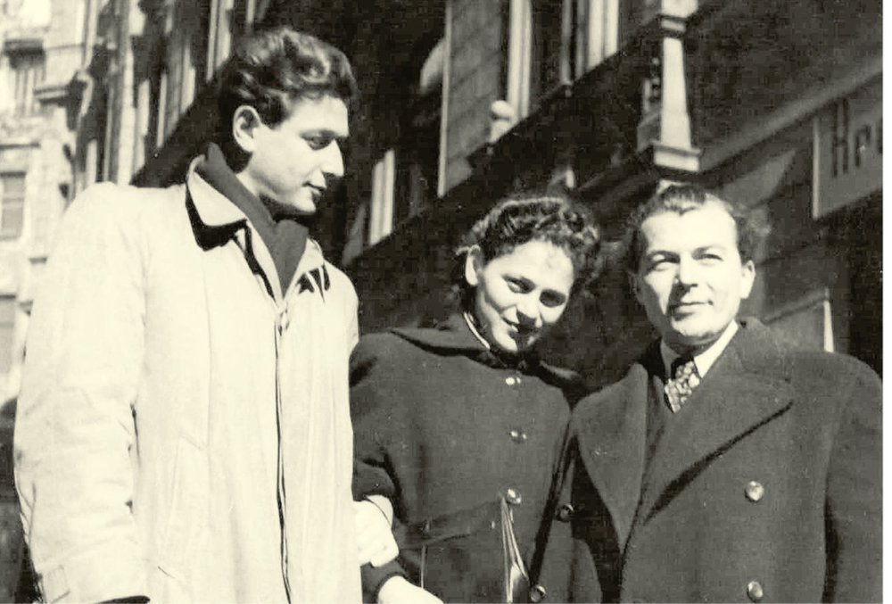 S manželom Ladislavom Grosmanom (vpravo). Foto - Post Bellum