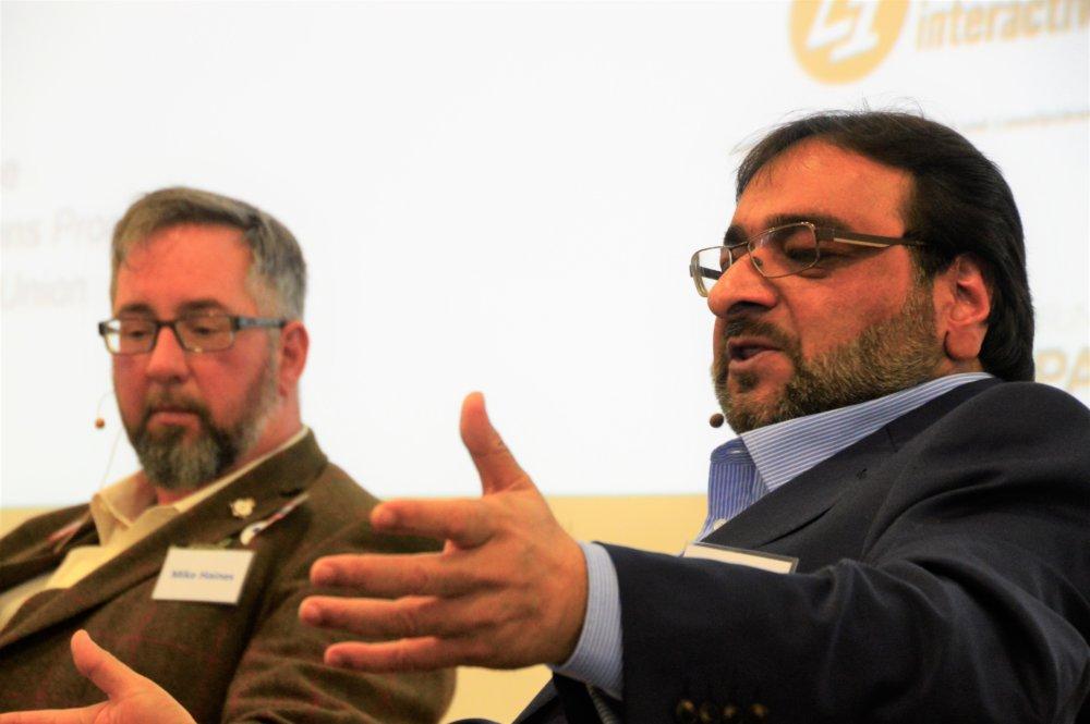 Hanif Qader (vpravo) prišiel na Slovensko na konferenciu Value-Based Conflicts and Violence, ktorú organizovala nezisková organizácia PDCS. Foto – Zora Pauliniová/PDCS