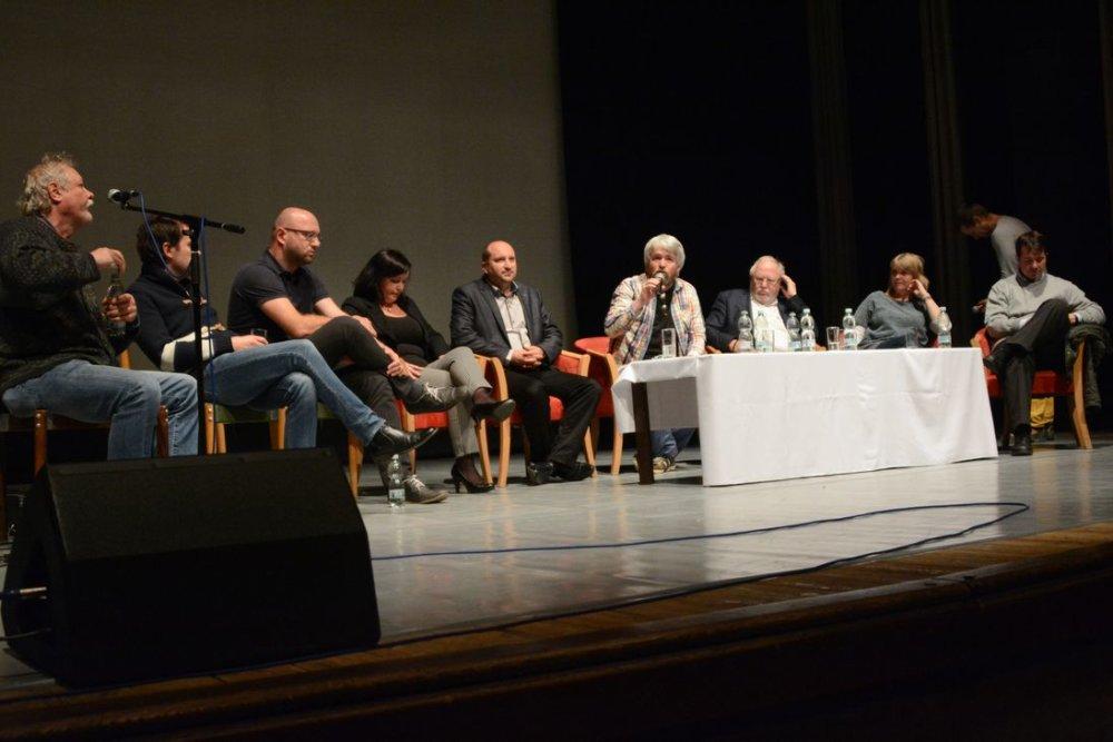 Debata v Dolnom Kubín. foto - MsKS Dolný Kubín