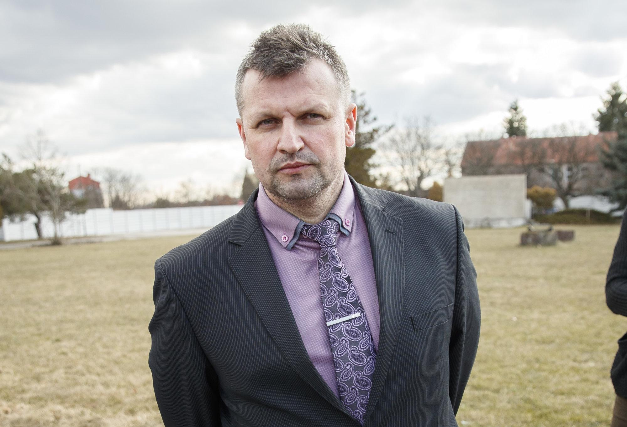 Vasiľ Špirko je podľa komisie za tlačovku vinný, ale trest si nezaslúži – Denník N