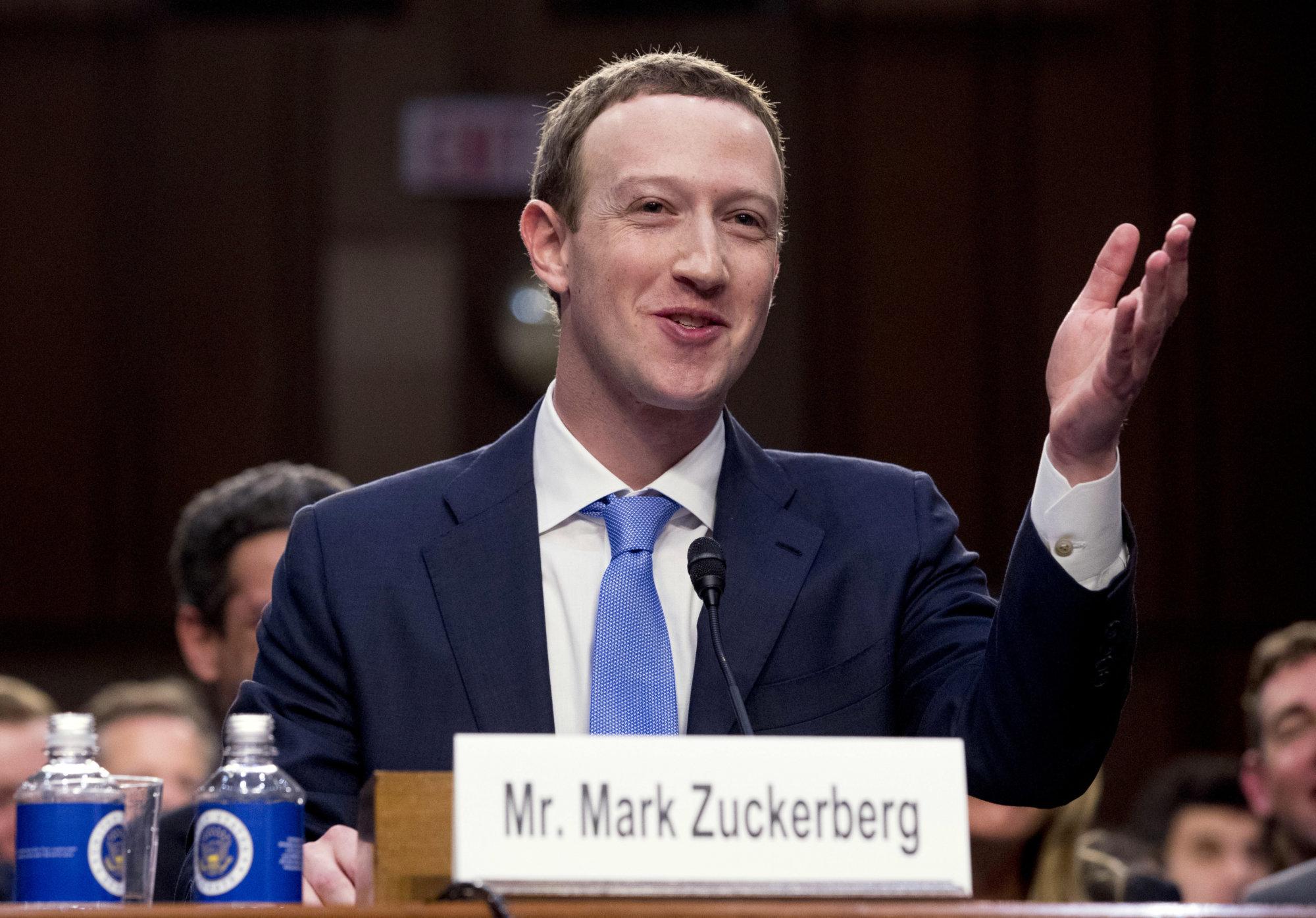 Nejde len o Ameriku: Zuckerberg by mal vysvetľovať po celom svete vrátane Slovenska – Denník N