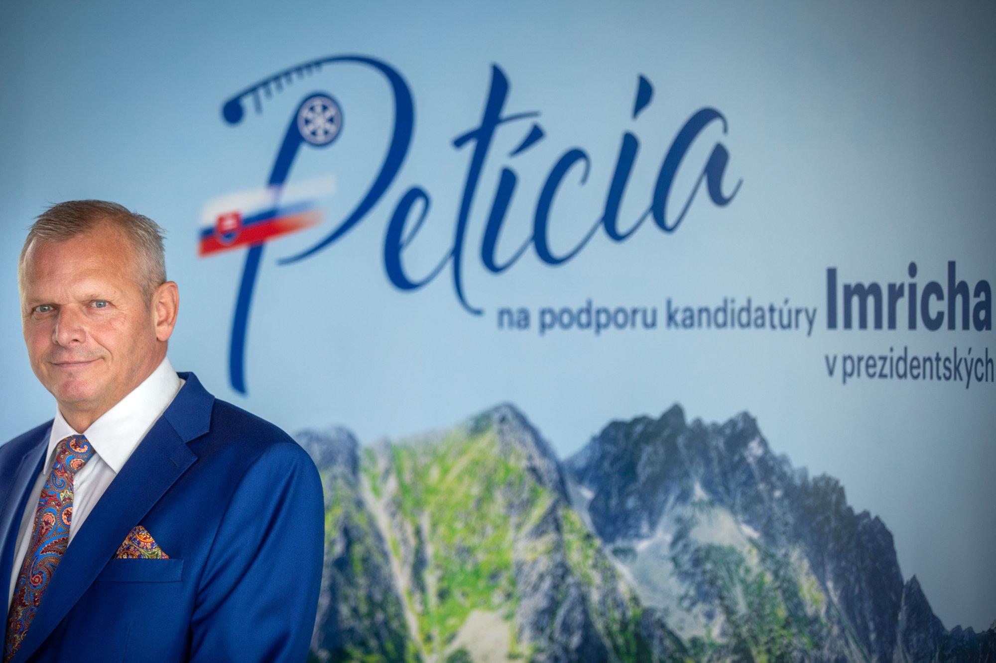 Milan Kňažko ani Róbert Bezák na tlačovú besedu Béreša neprišli – Denník N