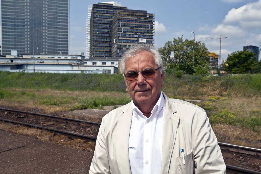 Matej Vaníček v areáli bratislavského prístavu. foto N - Andrej Bán