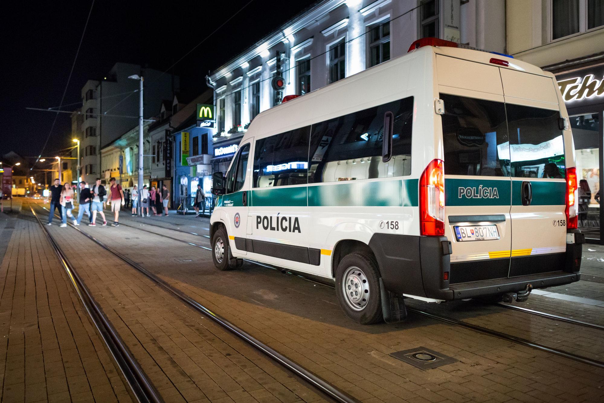 Obyvatelia Obchodnej píšu primátorovi Bratislavy: Nechceme sa už báť, viac hliadok iba v lete nestačí – Denník N