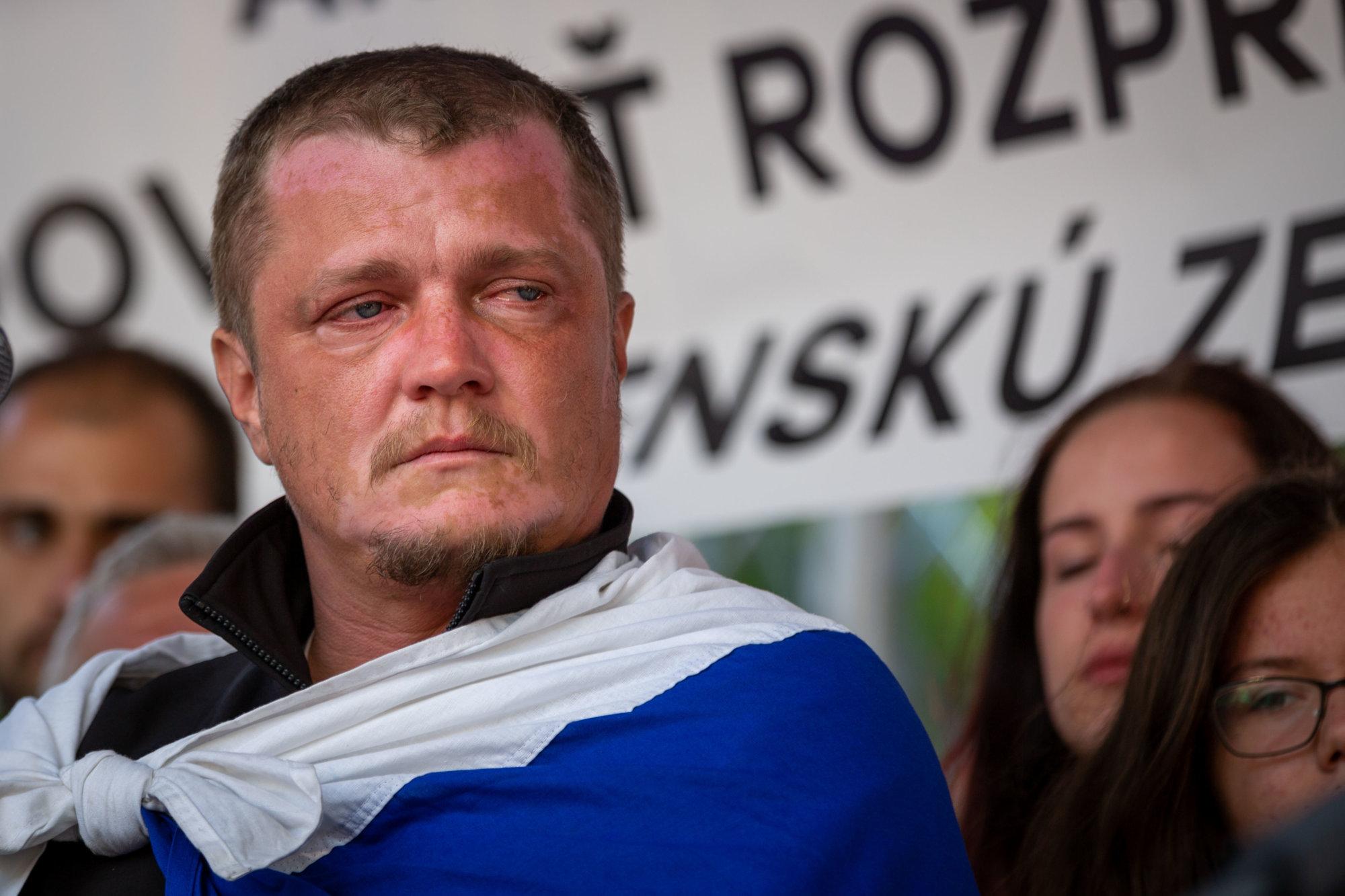 Organizátor farmárskych protestov: Na bránu mi zavesili mačky bez hlavy, vyhrážali sa mojej žene – Denník N