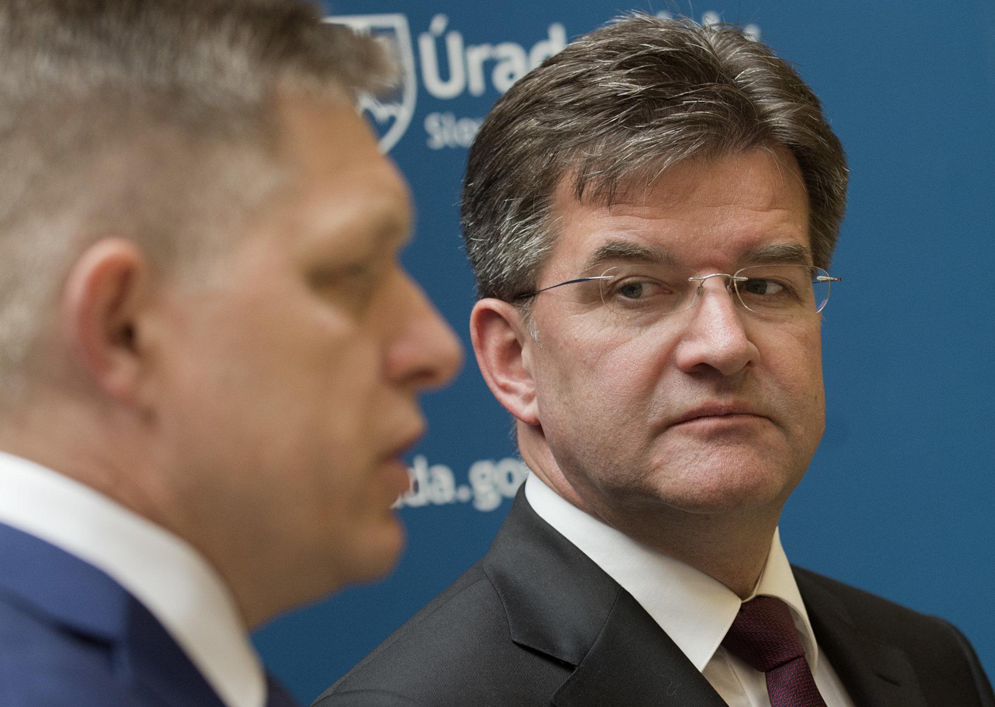 Newsfilter: Lajčák najskôr oznámil, že považuje dankovcov za hlupákov a potom ohlásil demisiu – Denník N