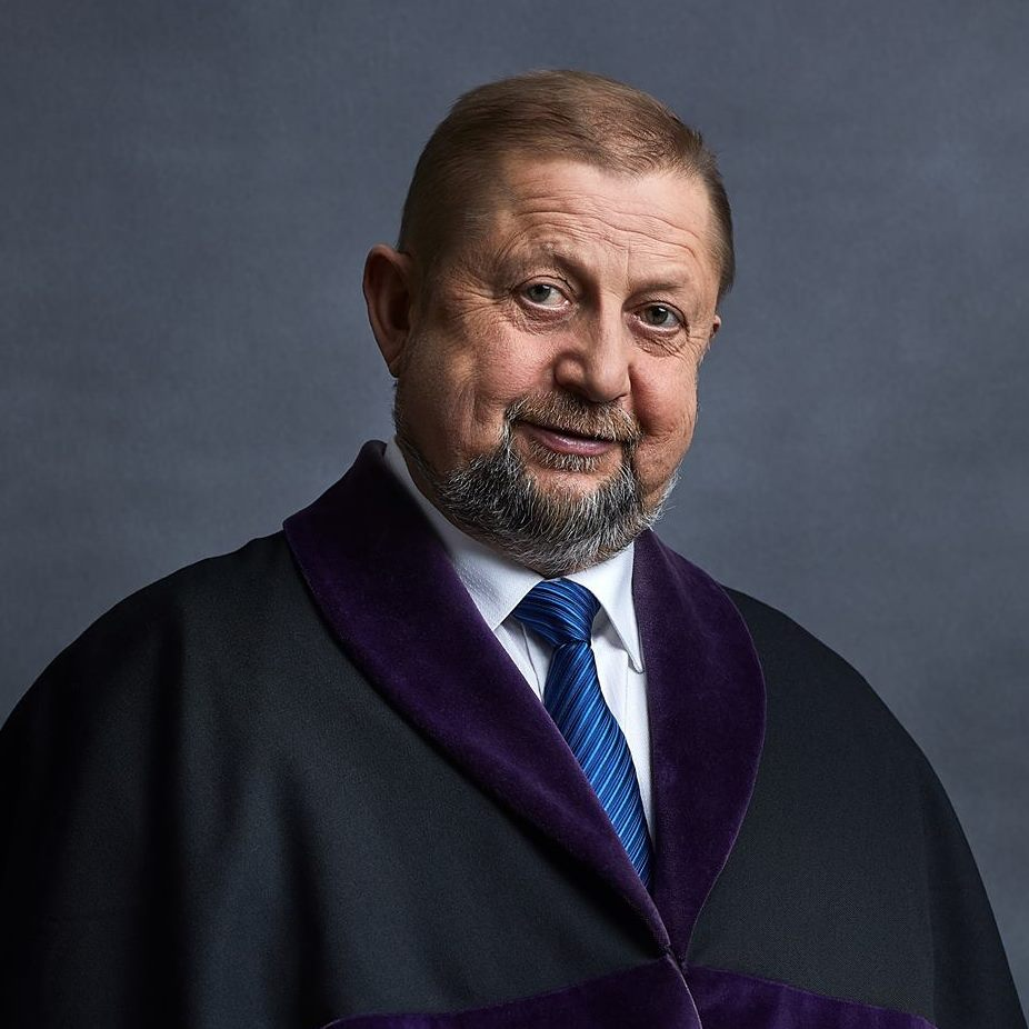Štefan Harabin v sudcovskom talári. Foto - Facebook ŠH