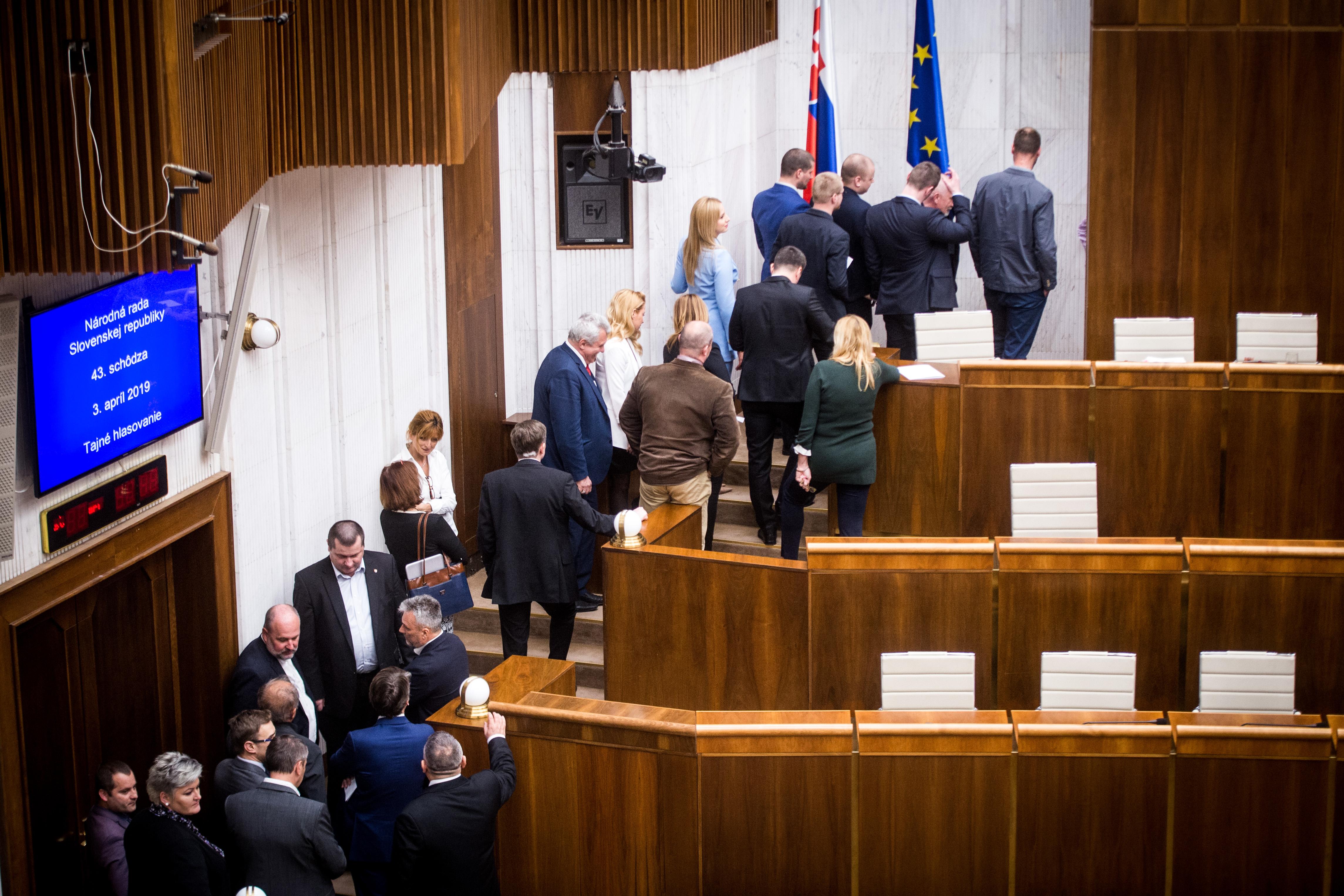 Tentokrát sa volilo tajne. foto N - Vladimír Šimíček
