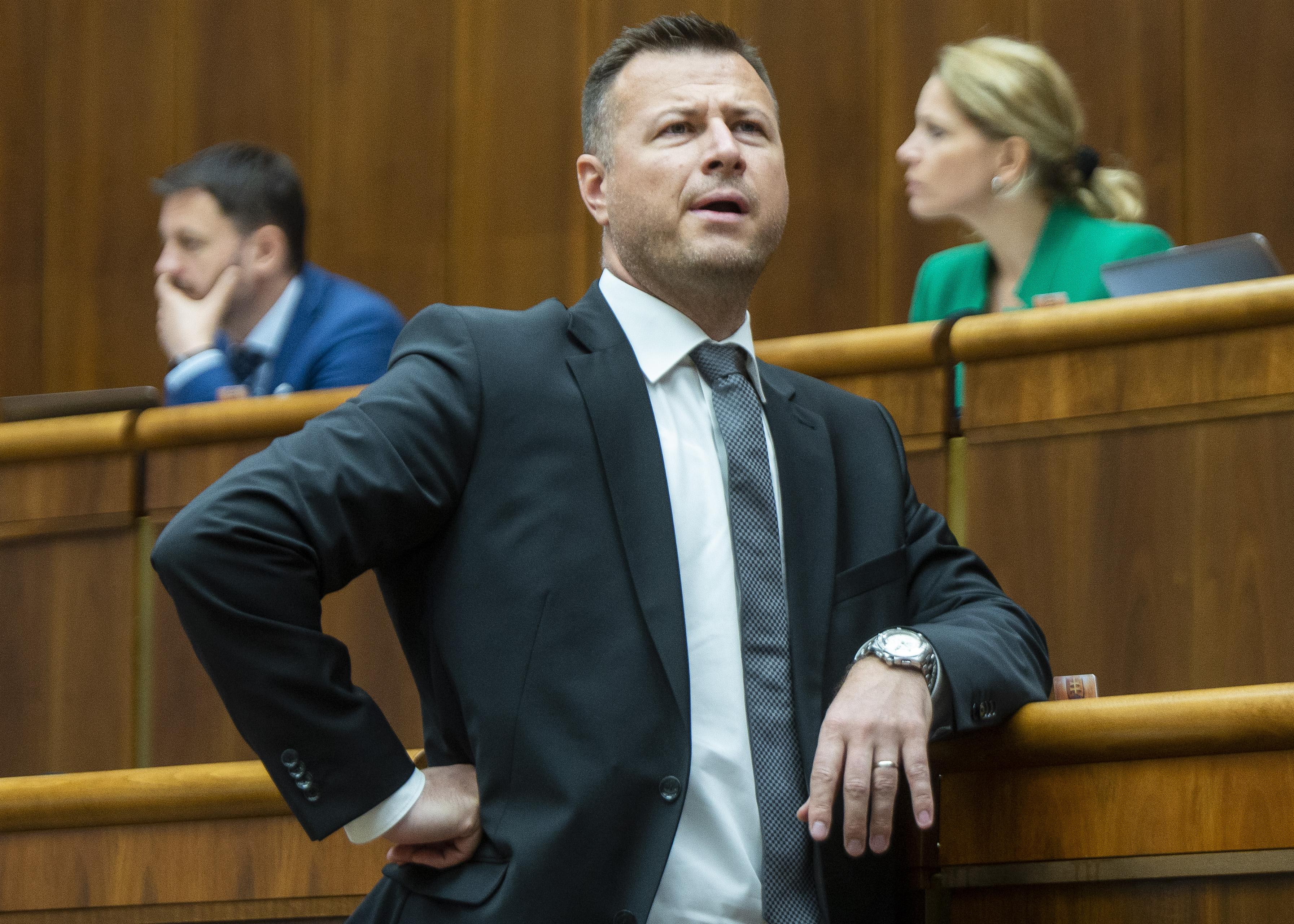 Na snímke minister spravodlivosti SR Gábor Gál (Most-Híd) počas rokovania 45. schôdze NR SR 10. mája 2019 v Bratislave. Foto – TASR/ Jakub Kotian