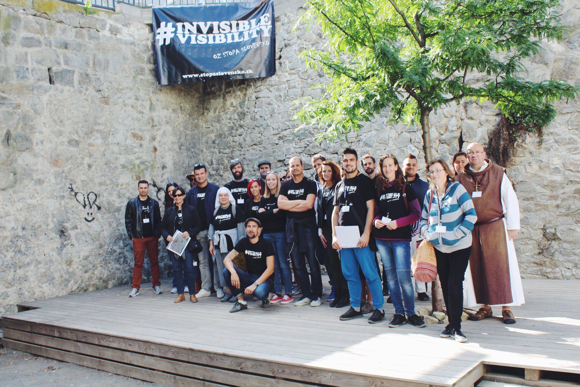 Dobrovoľníci pred začatím Plošného monitoringu v Starom meste 2019