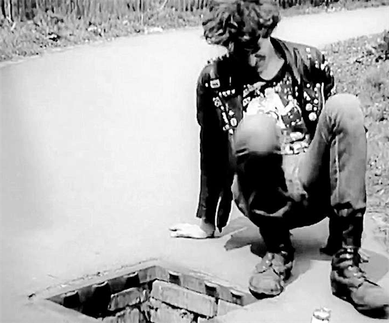Bezdomovce minulý režim schovával, kam se dalo. Na ubytovny i do kanálů