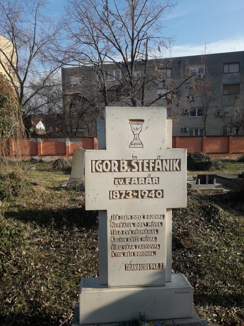 Hrobka Igora Štefánika v Novom Sade