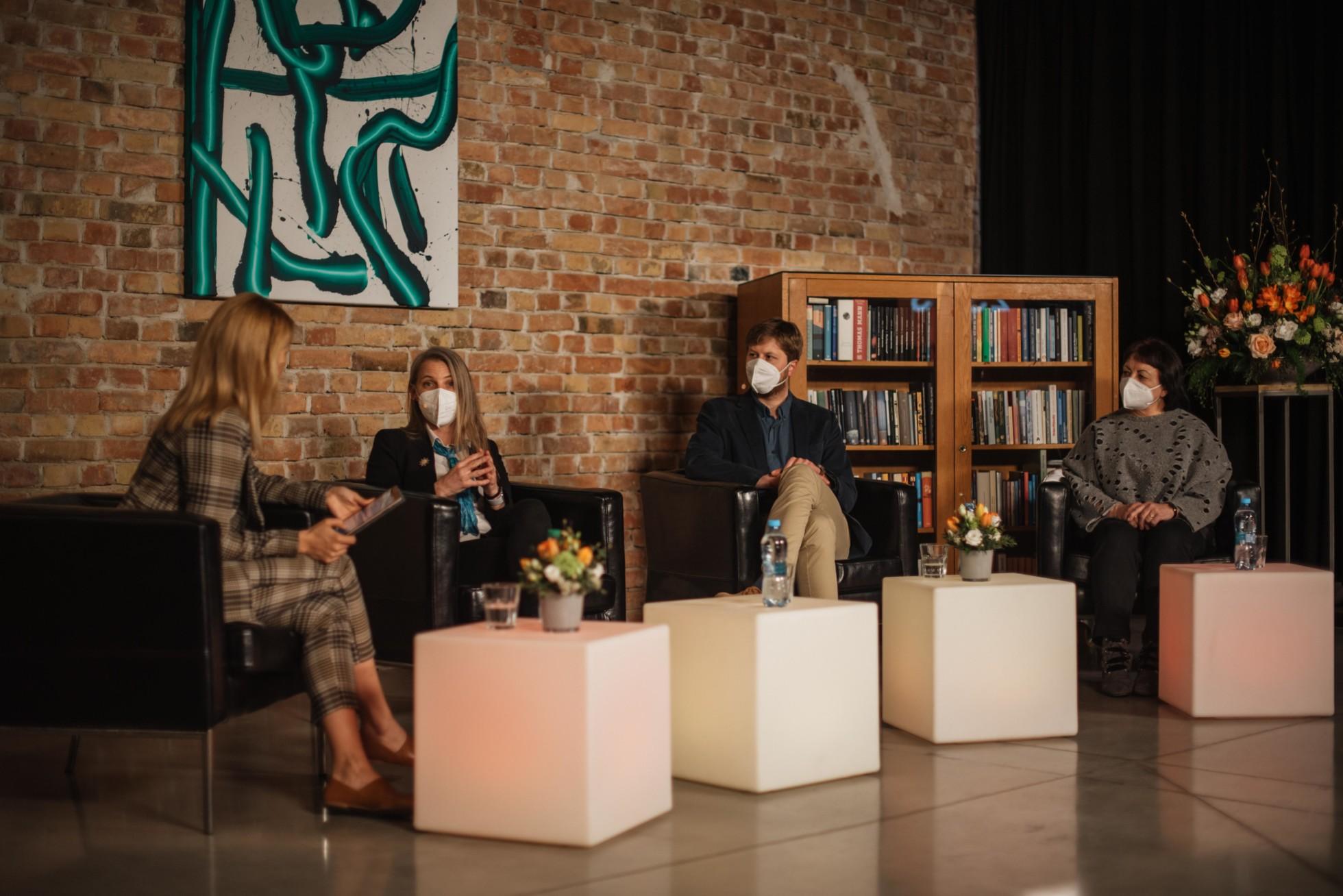 Diskusia s odborníkmi na Festivale pre dušu (zdroj: Nadácia Orange)